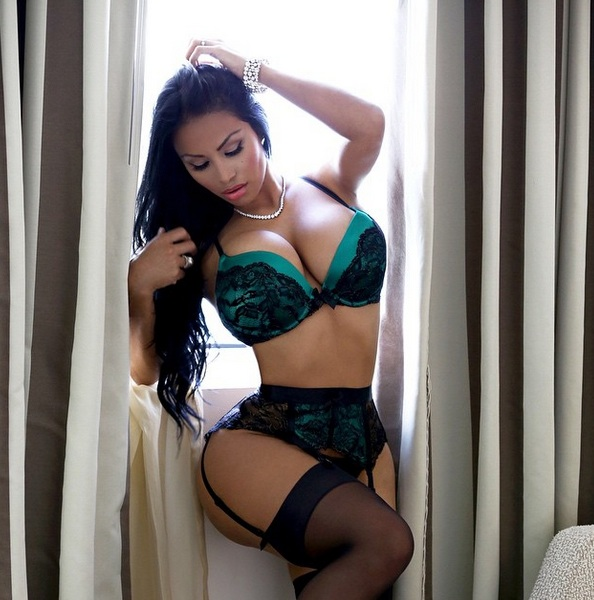 Hump Day Hottie: Miss Dolly Castro