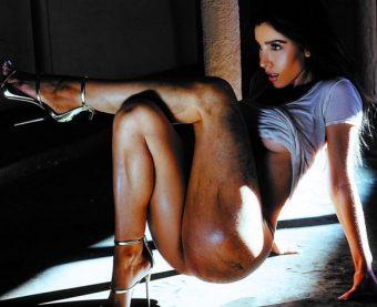 TGIBooty: Melissa Molinaro