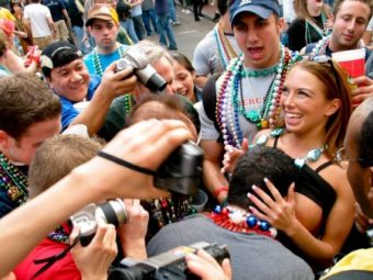 How To: Get Laid on Mardi Gras